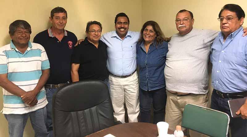 Se reúne Dip. Alfredo Zamora con comerciantes dedicados a la venta de alcohol