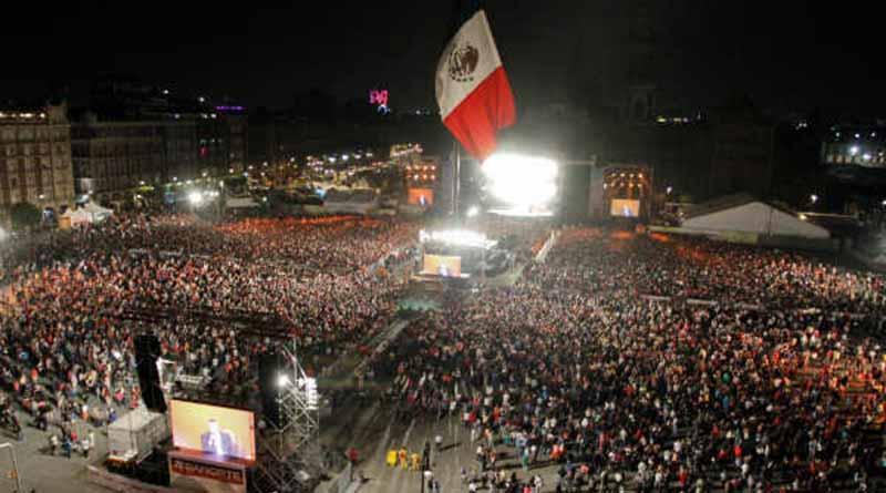 Rinden homenaje a víctimas de sismos durante concierto en Zócalo