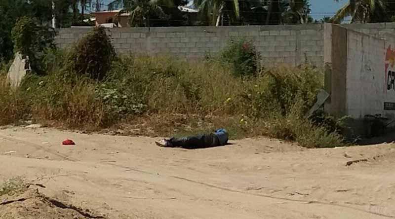 A balazos cae muerto un hombre en colonia Santa Rosa