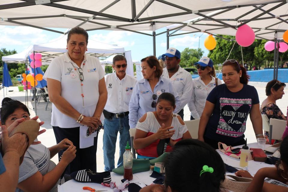 Realiza Ayuntamiento de Comondú Jornada Social en Col. 4 de Marzo