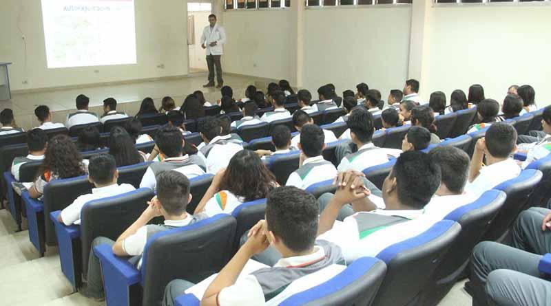 Inicia DIF Los Cabos pláticas informativas en instituciones educativas sobre cáncer de mama