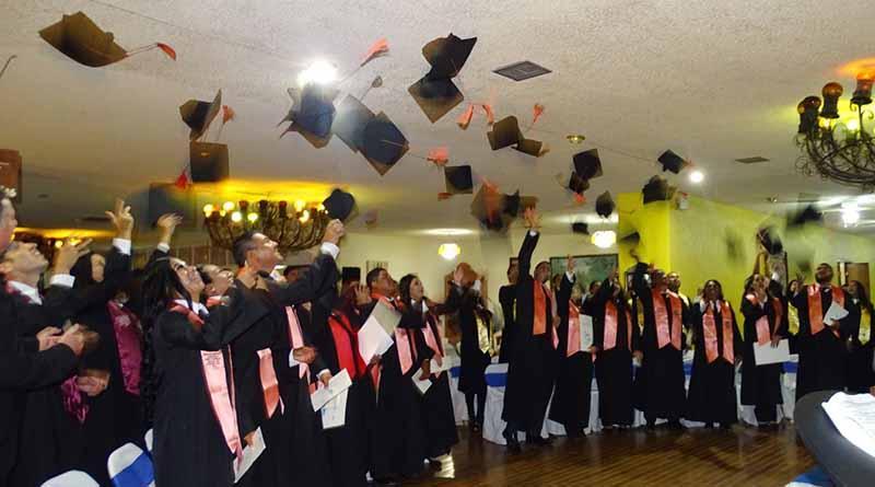 UABCS Guerrero Negro celebra el egreso de 23 alumnos