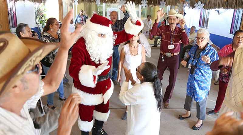 Llega Santa Claus a casa día de San José del Cabo