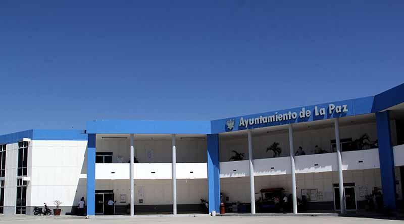 Ayuntamiento de La Paz cumple en tiempo y forma aguinaldo a trabajadores