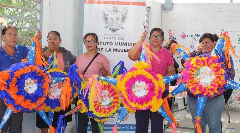 """Mujeres de la colonia Los Cardones participan en los talleres del programa """"Mujeres Autosuficientes y con propósitos"""""""