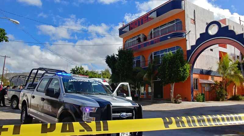 Balean y matan a dos personas en hotel de La Paz