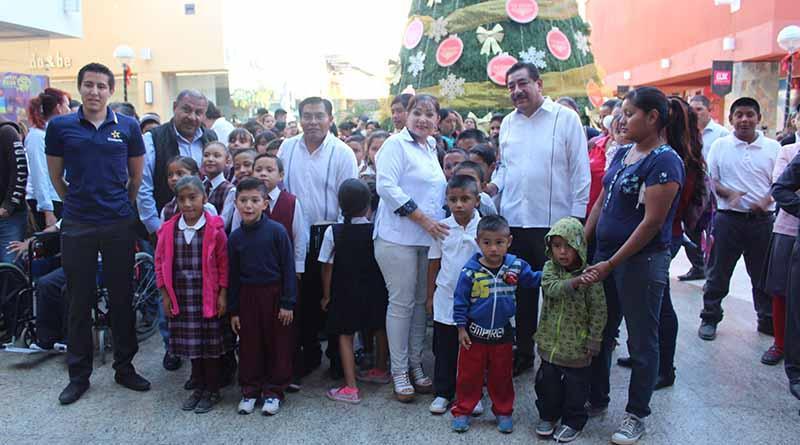 Asisten al cine más de 500 niños y niñas, Alma Rosa Gerardo de Martínez