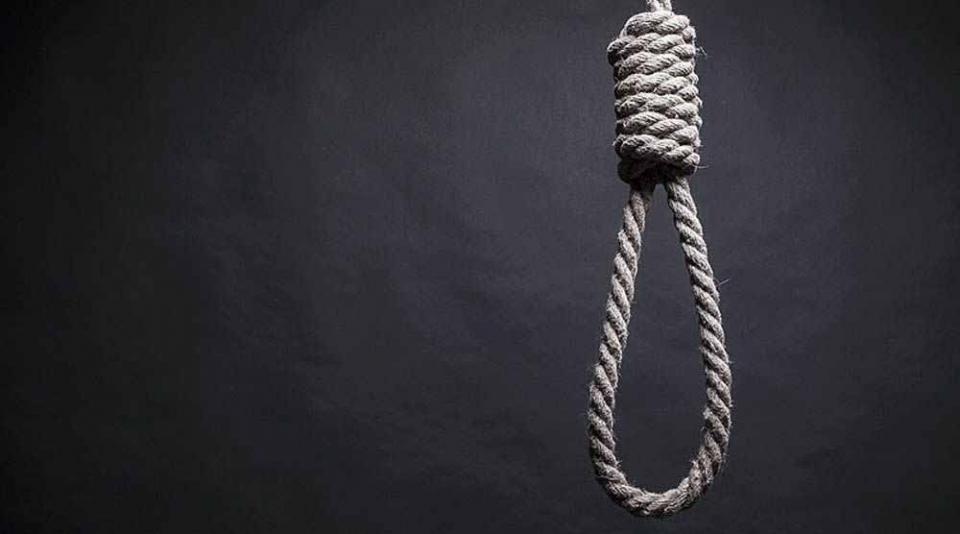 Muere ahorcada una persona en La Paz