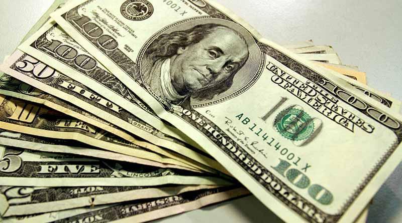 Dólar sigue al alza, abre en $19.89 a la venta en bancos
