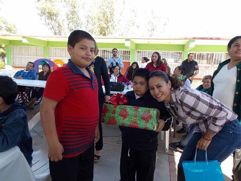 Ofrece DIF posada navideña a niños y jóvenes con discapacidad