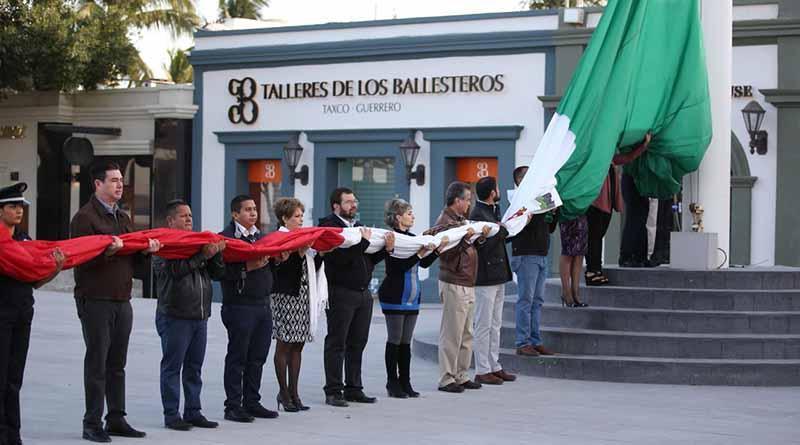 Biblioteca Pablo L. Martínez encabeza acto cívico