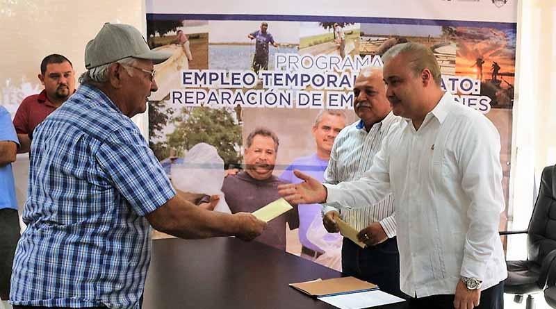 Reciben beneficios del programa de empleo temporal pescadores de La Paz y Chametla