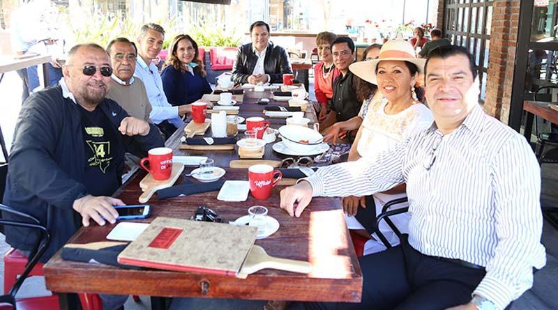 Tesorera general sostiene encuentro con integrantes de CANIRAC Los Cabos