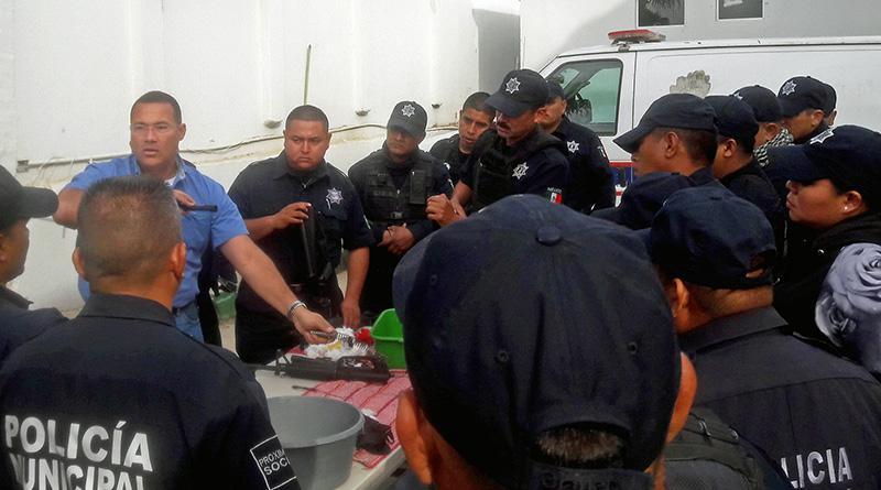 Refuerzan conocimientos sobre armamento en Seguridad Pública, por una policía eficiente