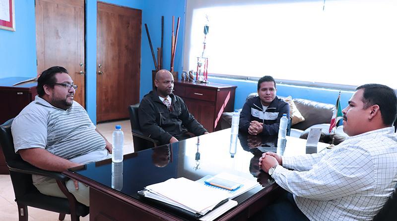 Recibe delegado interino de CSL a entrenador de esgrima