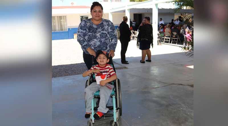Entrega la STDS apóyos de los programas asistencia de vida y de empleo temporal en La Paz