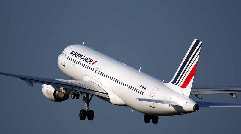 Air France anula vuelo a México por paro convocado por 10 sindicatos