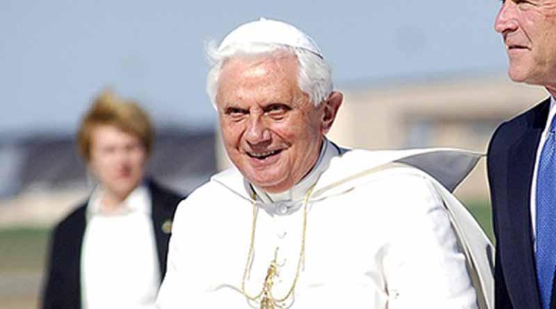En México Benedicto XVI comprendió que debía renunciar revela secretario