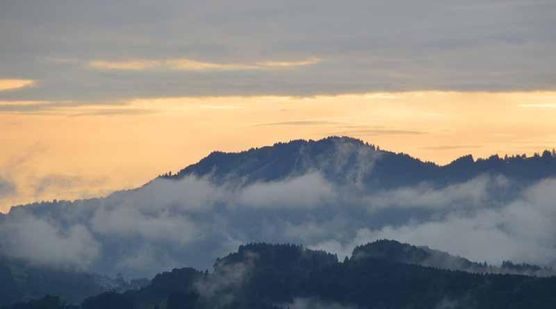 Frente frío generará nublados, lluvias persistentes y ambiente gélido