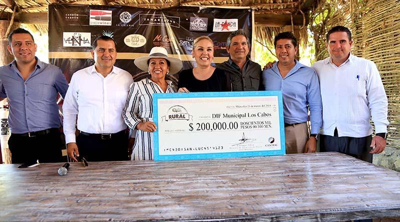 """Recibe sistema DIF Los Cabos donación del evento """"Sabor A Cabo Rural"""""""