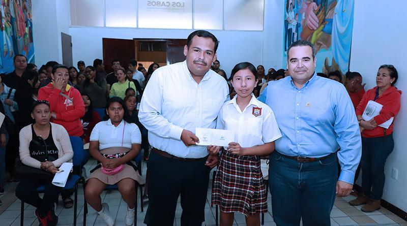 Beneficiados 803 estudiantes, con el pago de becas municipales en CSL
