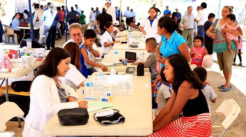 En jornada Médico Social, atienden a más de 300 personas de la Colonia Cactus en CSL