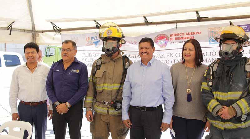 Bomberos de La Paz reciben importante equipamiento