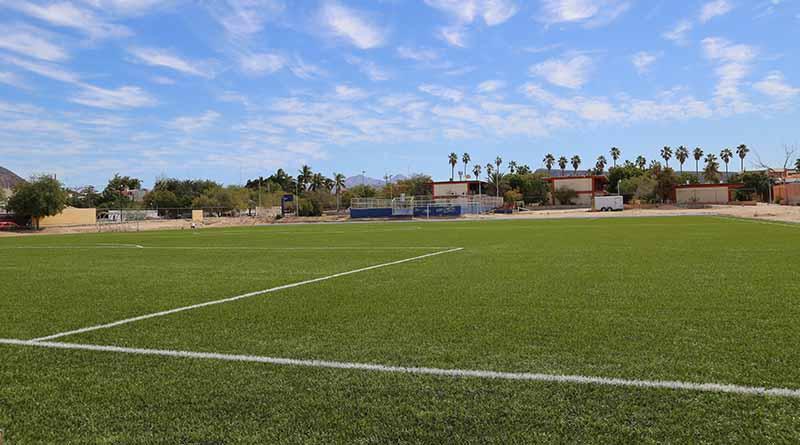Avanza modernización del campo de fútbol  en la Normal Urbana