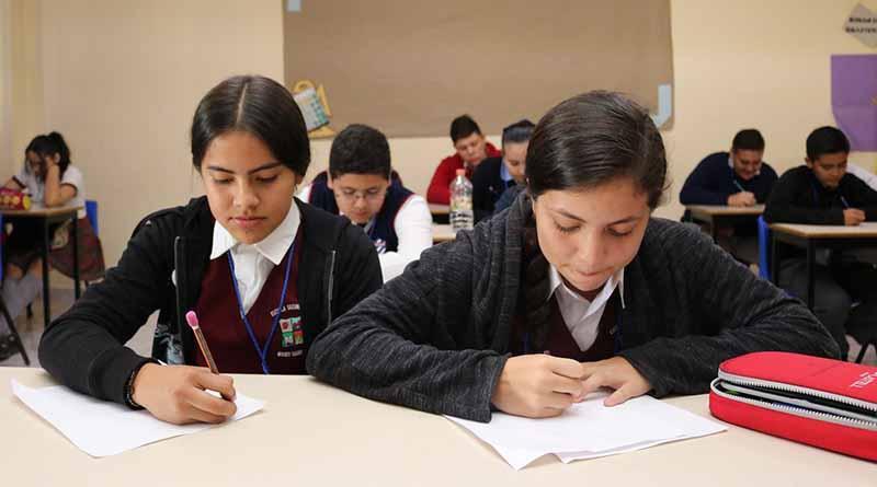 Participan alumnos de Educación Básica en Olimpiada de Matemáticas