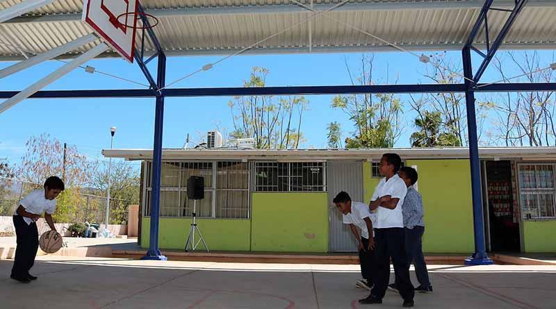 Beneficia programa de techumbres a más de 50 mil alumnos: SEP