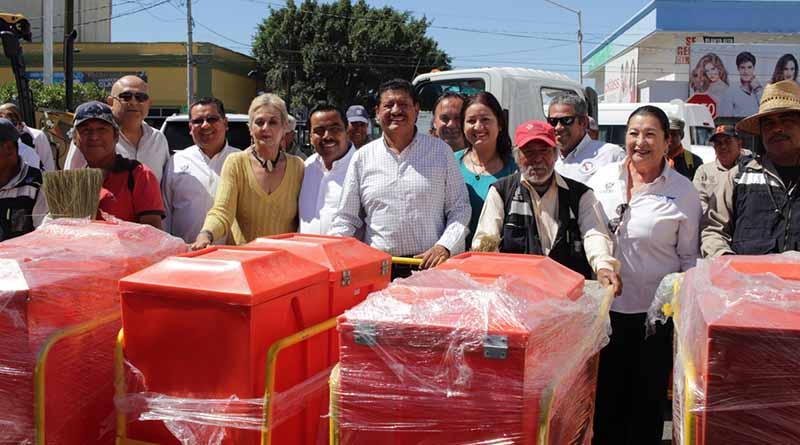 Equipamiento en DIF Municipal La Paz, gracias al Programa FORTAMUN y Redondeo OXXO