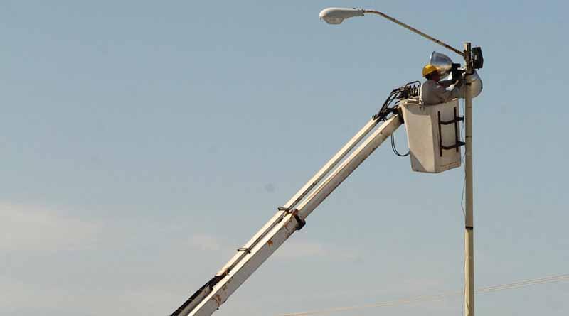 Ayuntamiento de La Paz colocará 2143 luminarias nuevas en la ciudad