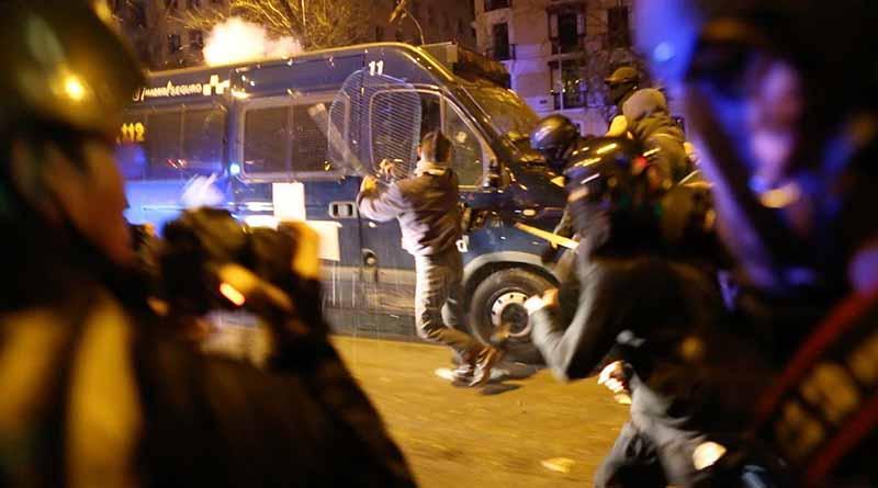 Barrio de Madrid registra disturbios por muerte de ambulante africano