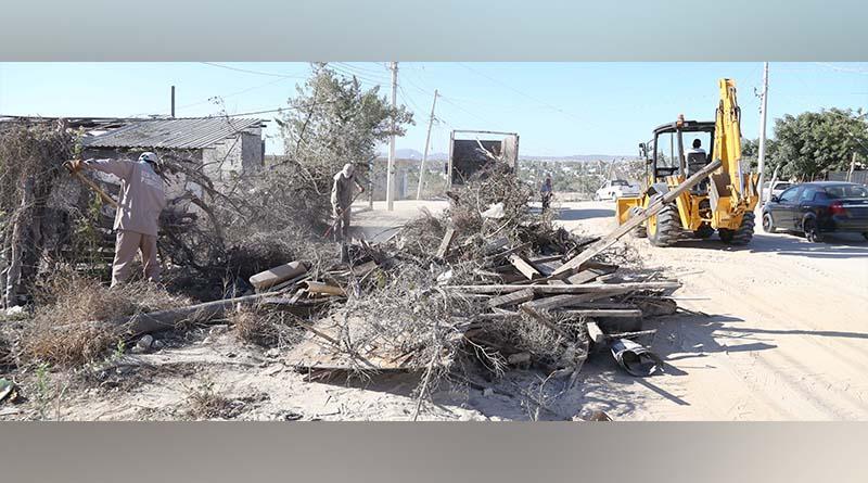 Servicios Públicos realiza trabajos de limpieza en colonia ejidal