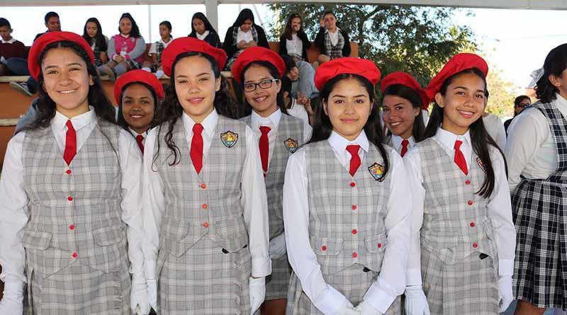 Concurso de escoltas entre secundarias generales fomenta el respeto a Símbolos Patrios: SEP