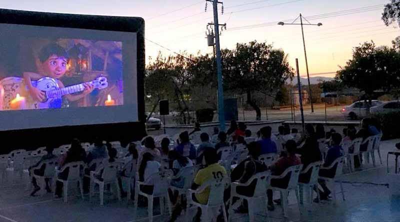 """Llega programa """"Cine en tu Colonia"""" a Santa Cruz"""
