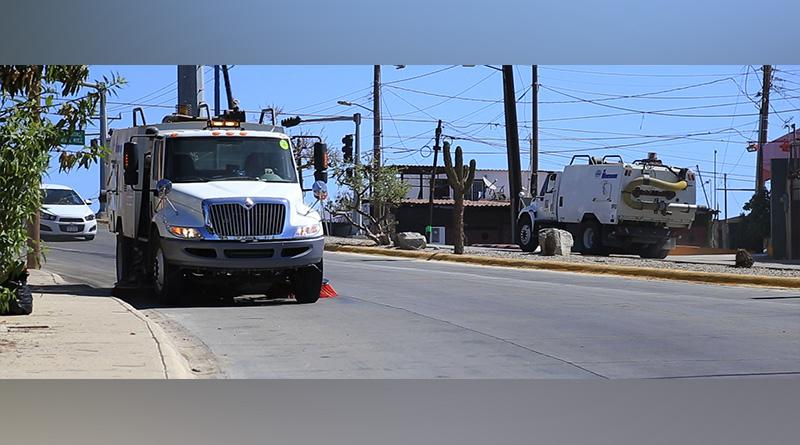 Realiza Servicios Públicos, constante barrido mecánico de calles pavimentadas