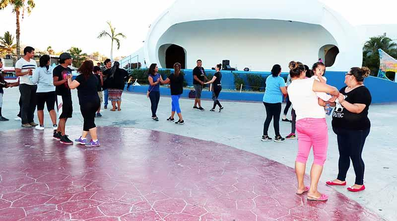 """Realiza ICA Los Cabos, """"Tardes de Danzón"""" en La Plaza León Cota Collins"""
