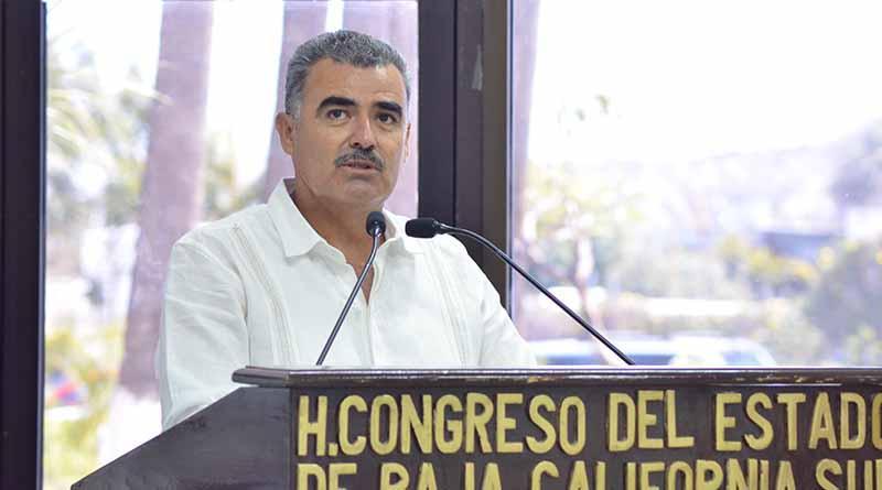 Congreso del Estado reconoce a marinos y pescadores