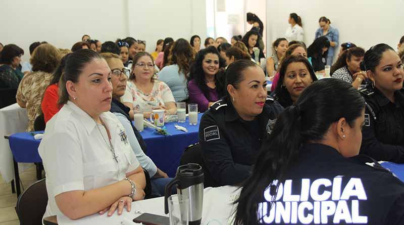 Seguridad Pública, Policía Preventiva y Tránsito Municipal de La Paz llevó a cabo el festejo a las Madres