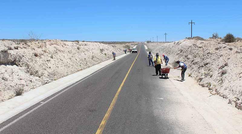Rehabilitan caminos del municipio de Comondú