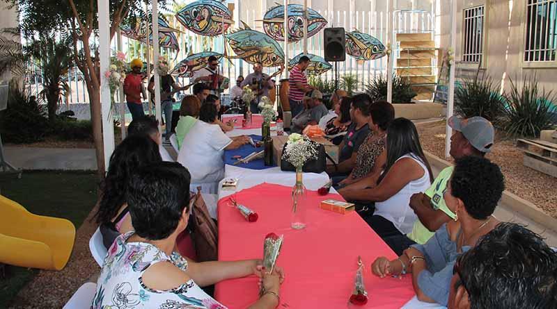 Celebra DIF Estatal a padres y madres de Casa Valentina