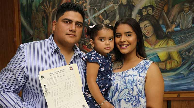 Reciben certificado de bachillerato alumnos de preparatoria abierta: SEP