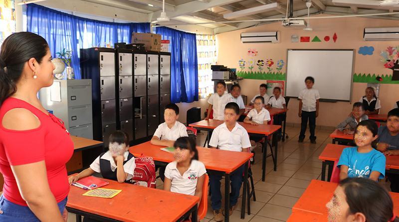 Evalúa SEP programa de becas del transporte en Los Cabos