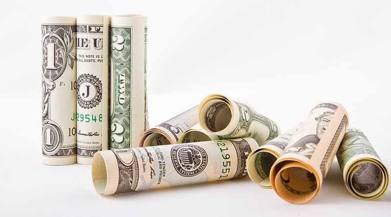 Casas de cambio del aeropuerto capitalino venden dólar en 19.74 pesos