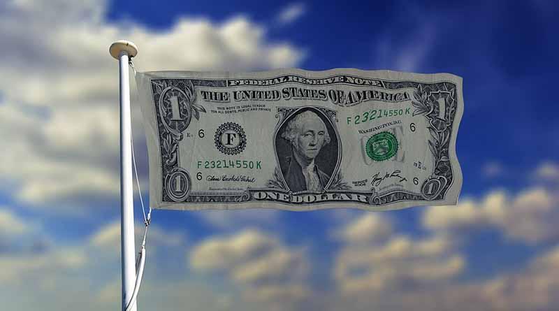 Dólar promedia 19.70 pesos a la venta en aeropuerto capitano