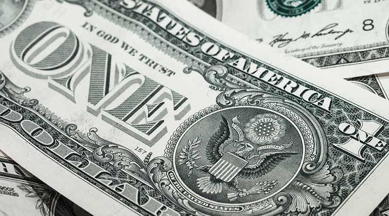 Dólar inicia la semana en 19.30 pesos en terminal aérea capitalina