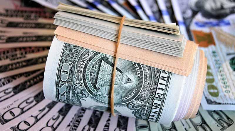 Casas de cambio venden dólar a 19.35 pesos en el aeropuerto capitalino