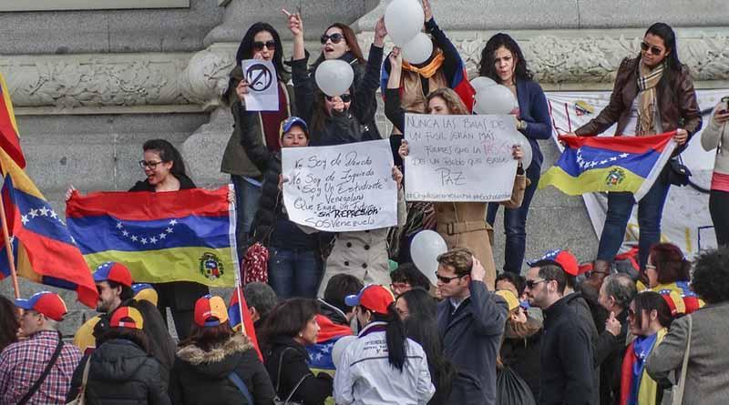 Pronostican emigración de cuatro millones de venezolanos tras comicios