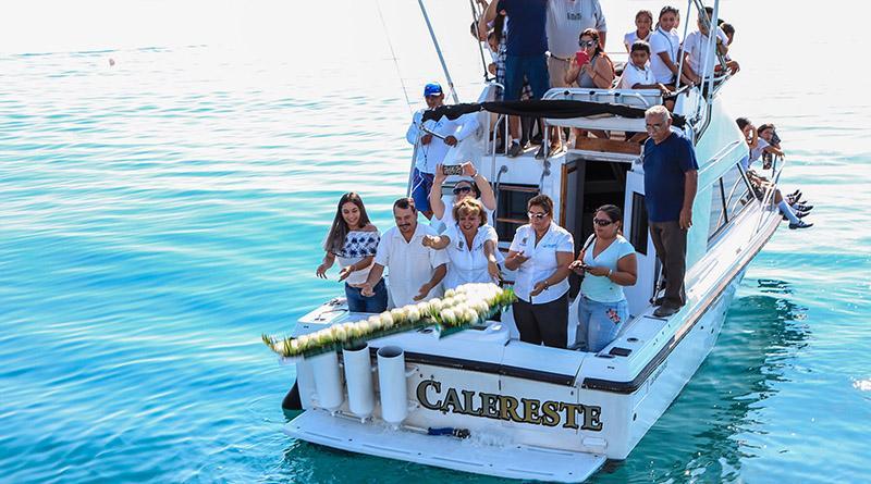Rinde homenaje delegación de Santiago a marineros lugareños en Buenavista